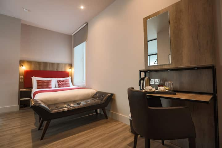 Euston Square Hotel, Superior Double Room (2DX)