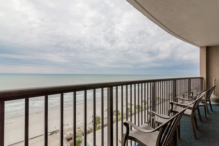 Direct Oceanfront 3BR/2BA with 20 water amenities