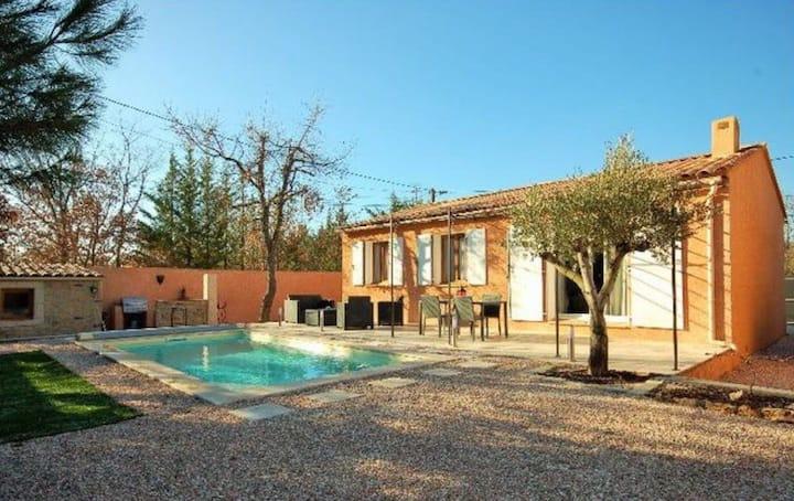 Villa entière  piscine privée .30  mnplages Hyeres