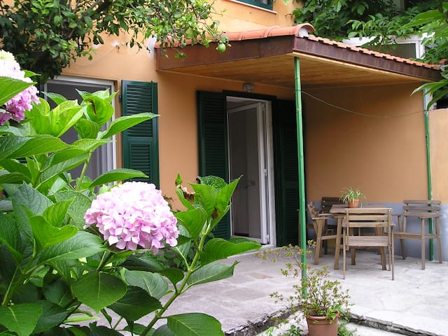 house with a garden in the country - Rapallo - Talo