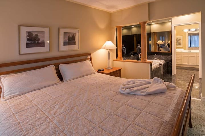 Georgian Bay Hotel 1 Week (2bdrm, 2bath) $1750