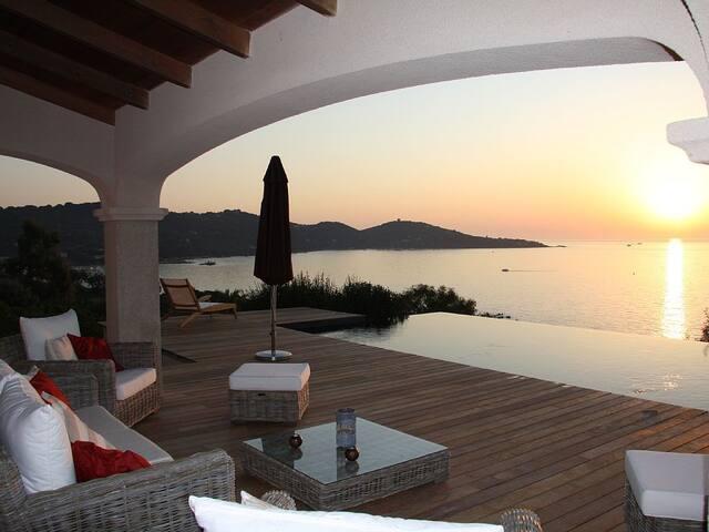 Luxury Villa Casa Bianca by the sea - Coti-Chiavari - Villa