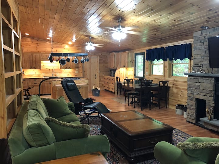 "Cross Fork Pine Lodge - 1BR ""Trout's Stream"" cabin"