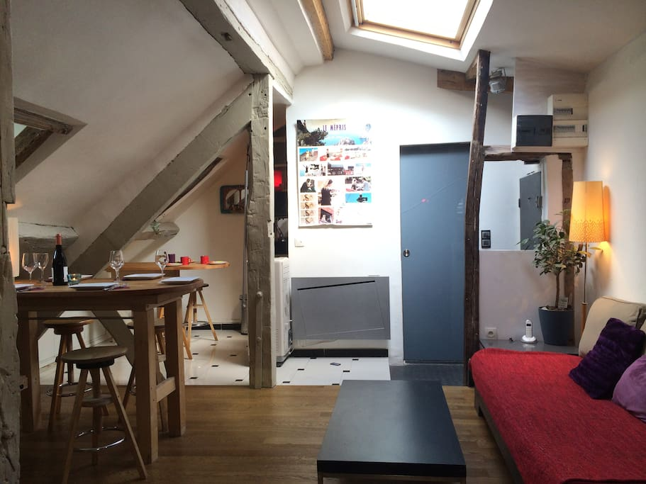 rare petit loft very center location wifi romantc apartments for rent in paris le de france. Black Bedroom Furniture Sets. Home Design Ideas