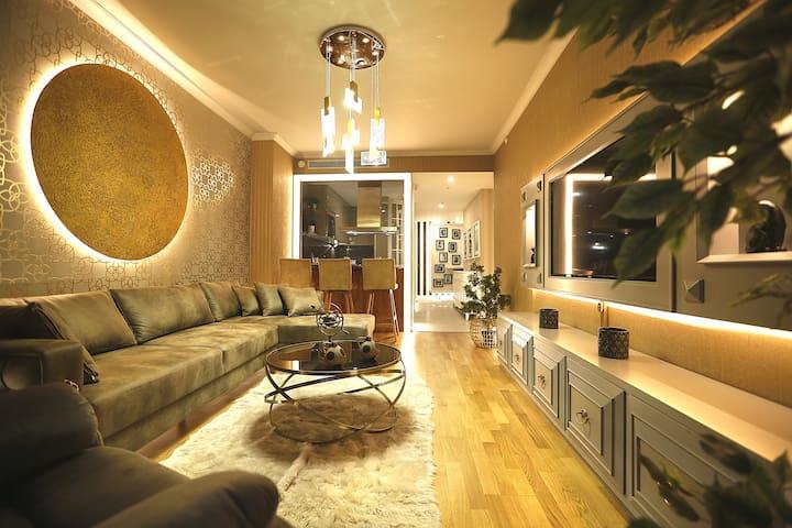 Brand New! VIP 59 Super luxury Flat near Taksim Sq