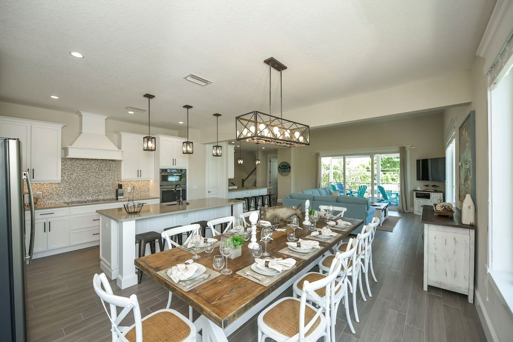Dining area/ Kitchenette  Seating for up to 20