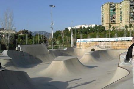 Bed&Breakfast next to the Skatepark - Málaga
