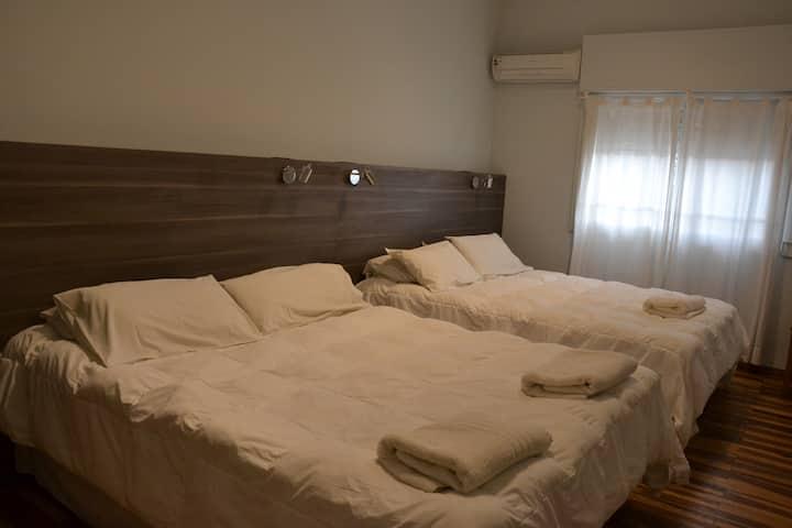 Solares Hotel, habitación privada para 4!