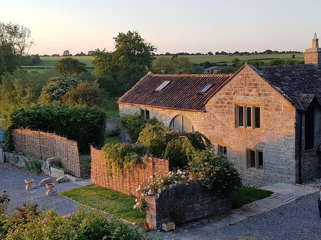 Spacious Somerset Vicarage Barn, newly converted