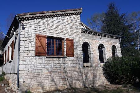 Maison location saisonnière Sud Ardèche
