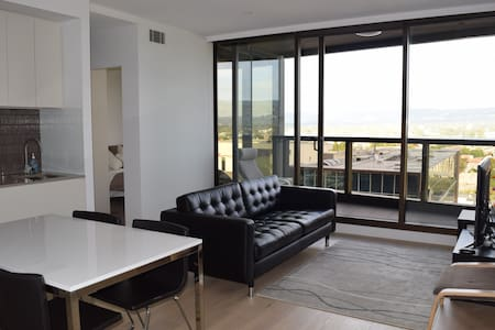 Modern CBD Apartment with an Amazing View - Adelaide - Leilighet