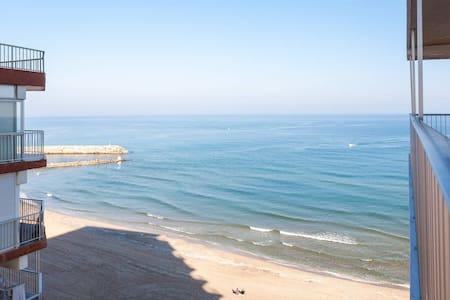 PRIMERA linea de playa!!! + WIFI :) - Sueca - 公寓