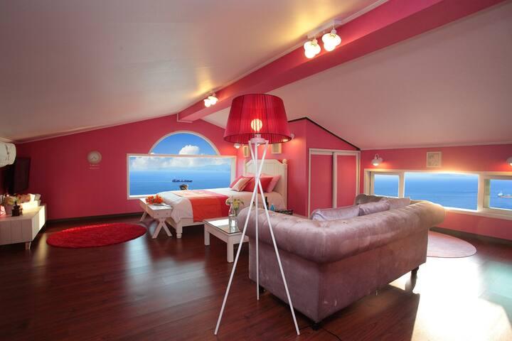 초콜렛 최고의 전망으로 침대와 수평선이 하나된 듯한 러블리 객실