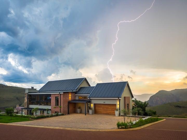 Highland Gate Estate - Luxury Home 847