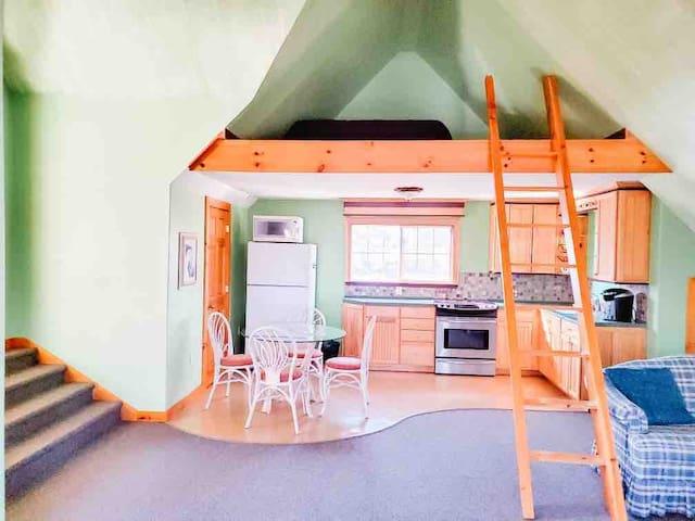 Private Studio Loft Apartment