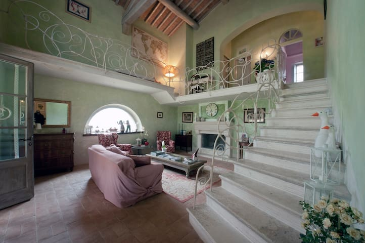 No place like Arianna's House for Tuscan holidays - Casole d'Elsa - Bed & Breakfast