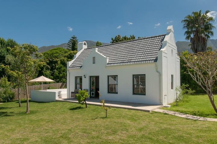 Luxury Family Cottage