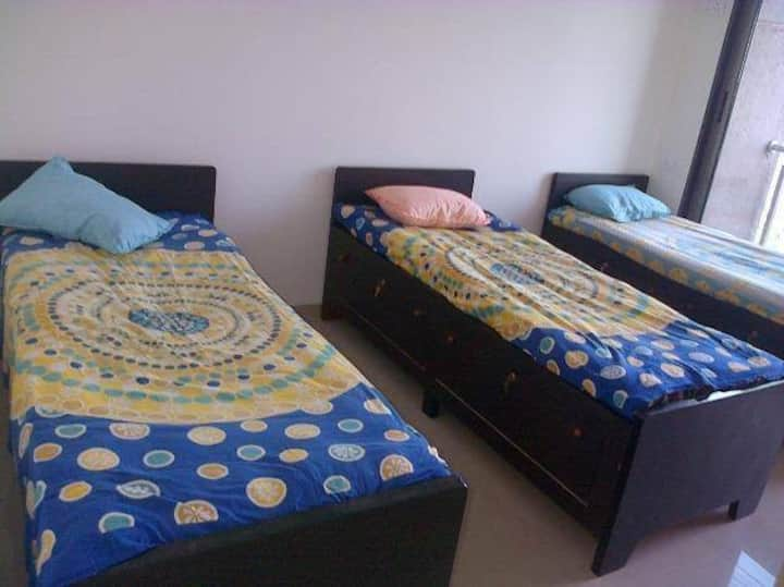 Radhika Hostel - Inclusive Food & Stay