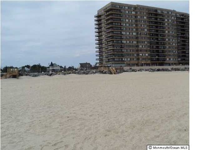 WINTER RENTAL Beach front FURNISHED - Monmouth Beach - Flat