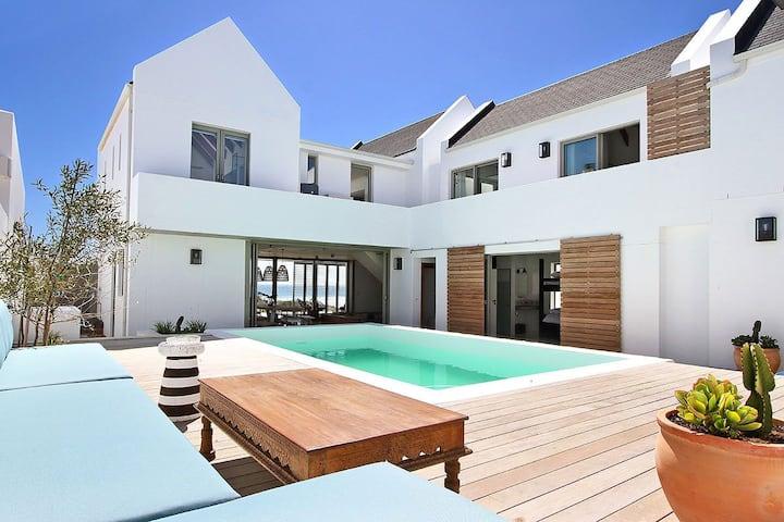 Bordeaux on Britannia -  Luxury villa on the beach