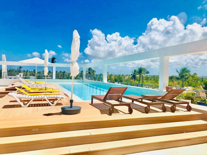 ROOFTOP POOL, STUDIO 4GUESTS, BEACH 5MIN, PARKING