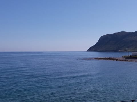 SEA-esta Deluxe.You can't get closer to the beach!