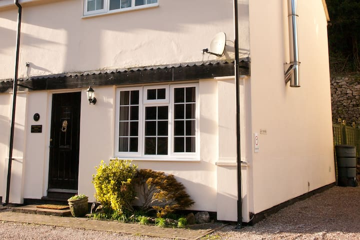 Homely 2 bed cottage in the beautiful Wye Valley