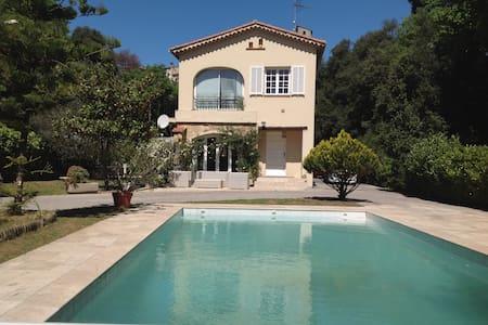 Villa calme entre mer et montagne - Carros