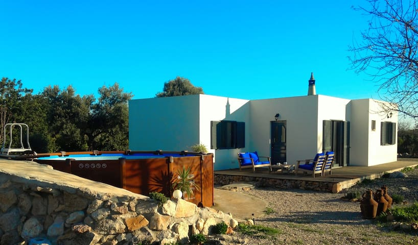 Modern villa with private pool 10 min from beach