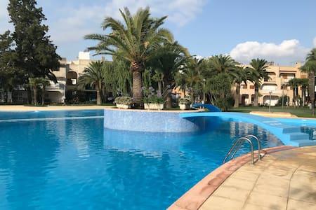Valencia beach best pool, cerca de la playa