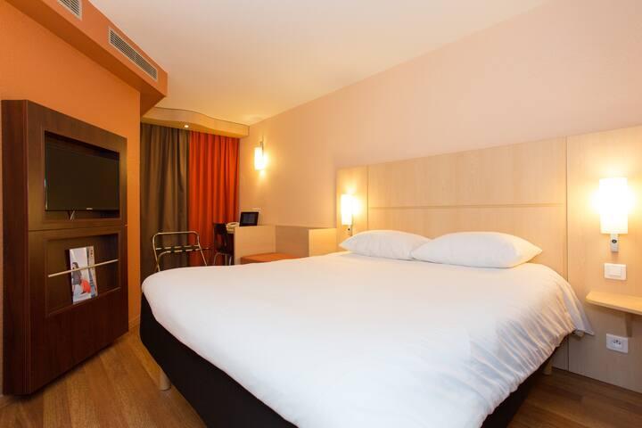 Chambre Hotel 3*- centre ville de Cannes