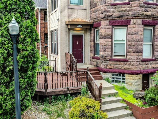 Buckeye Bungalow, Minutes from Downtown Columbus