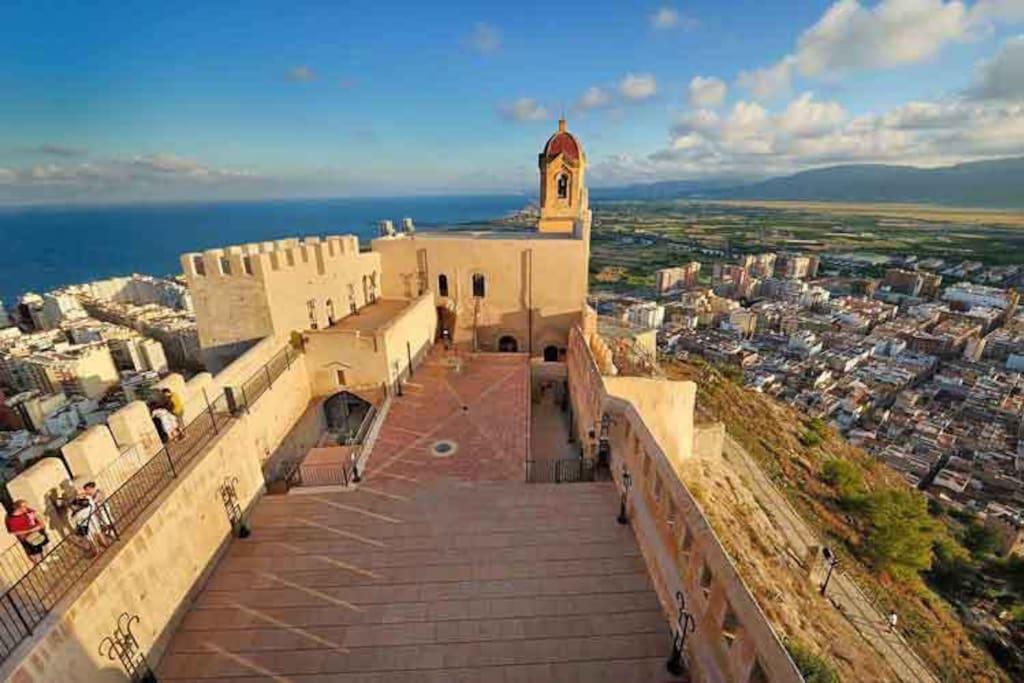 Castillo de Cullera, municipio en el cual se encuentra el alojamiento.