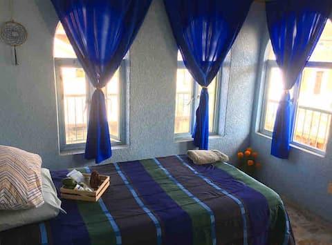 Cómoda y pequeña habitación cerca del Parque