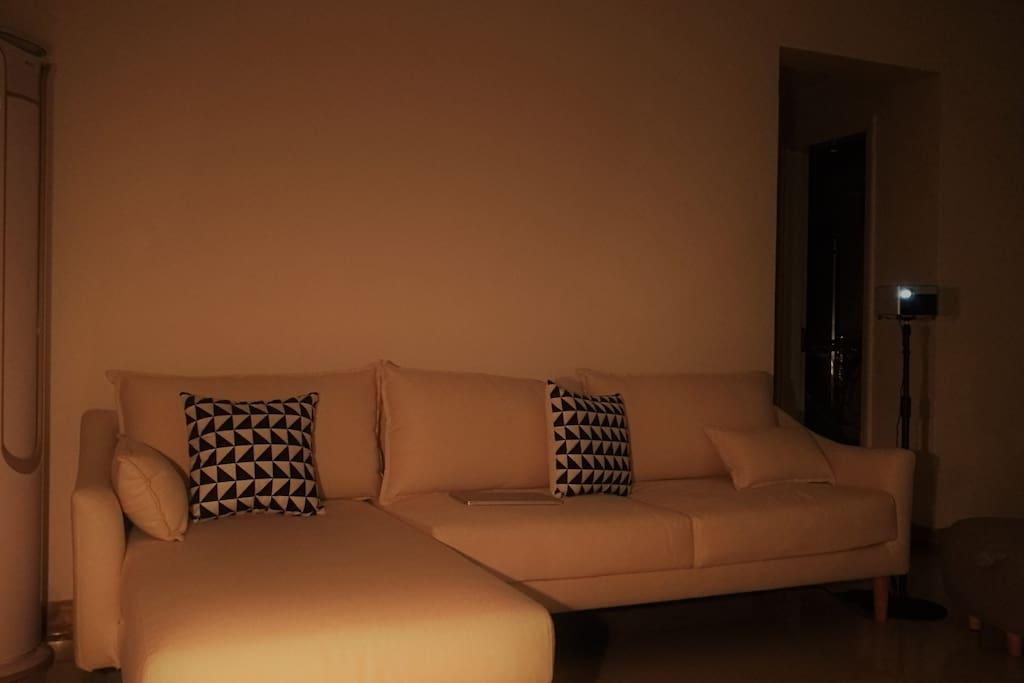全新的乳胶布艺沙发 New latex cloth sofa