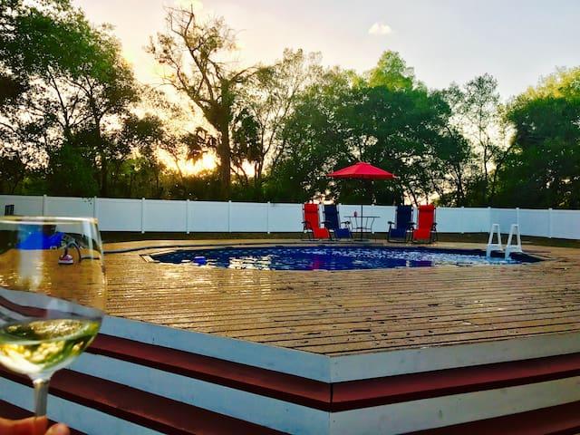 Luxury/spacious RV-heart of Orlando