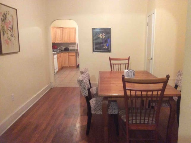 Large Attic  room near ESU And town