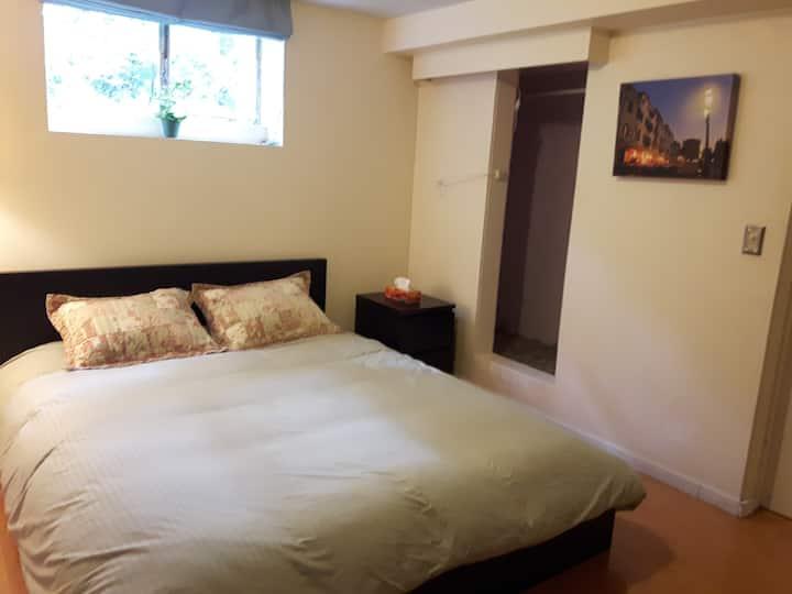 Small furnished room close to hiking/biking trails