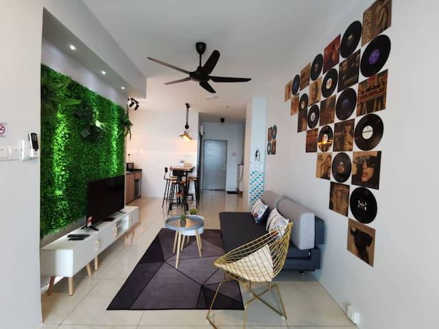 New Cozy Suite, Comfy, Sunset View 新高级公寓10分钟机场/市区