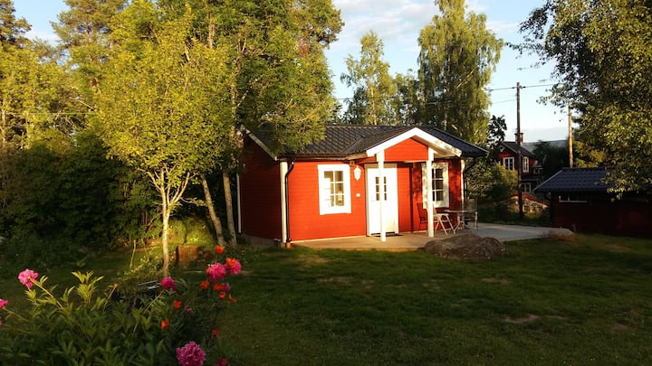 Cottage with large sunny garden 900 m to sea