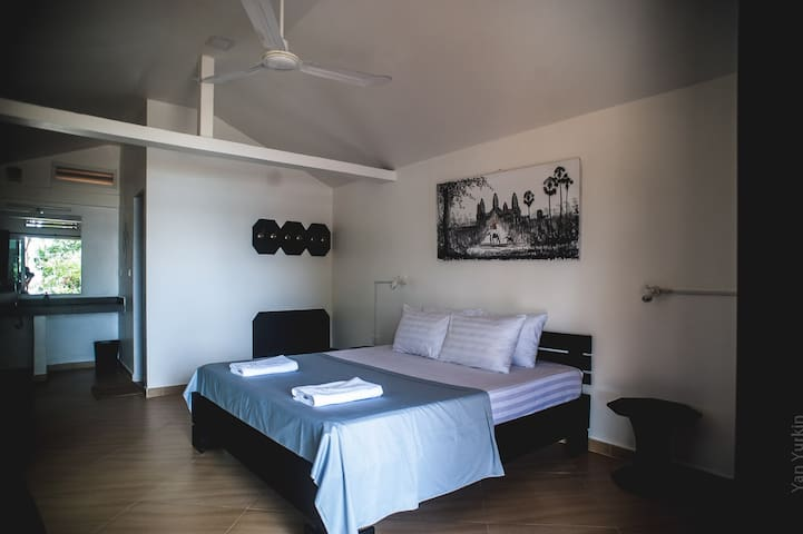 Luxury villa with wifi in exotic nature paradise - Krong Preah Sihanouk - Domek parterowy