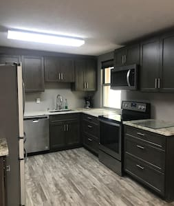 Renovated rental with gorgeous canyon views (A)