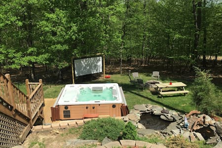 Entire House with Private Backyard - Bushkill - Casa