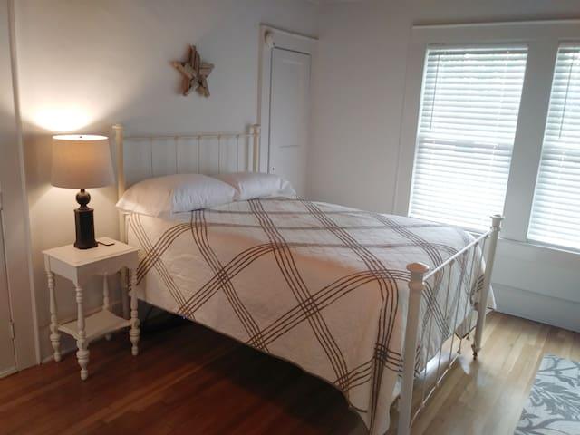 Comfy antique iron bed