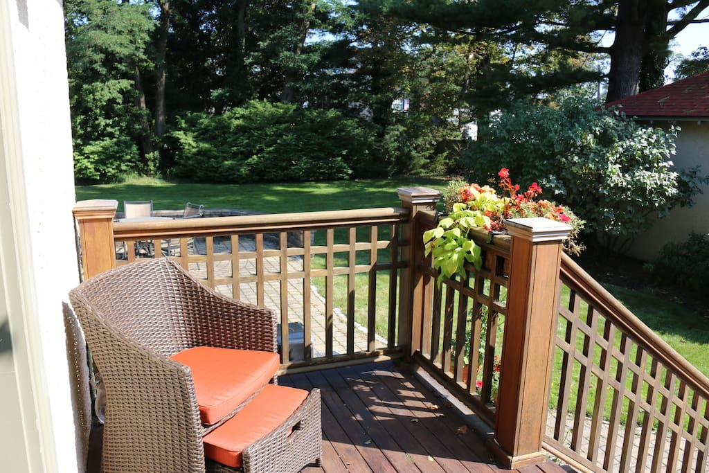 Rest and enjoy our beautiful back yard after a long day of travel or sightseeing