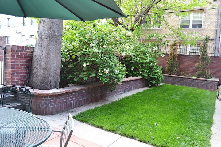 Historic one bedroom carriage house apartment