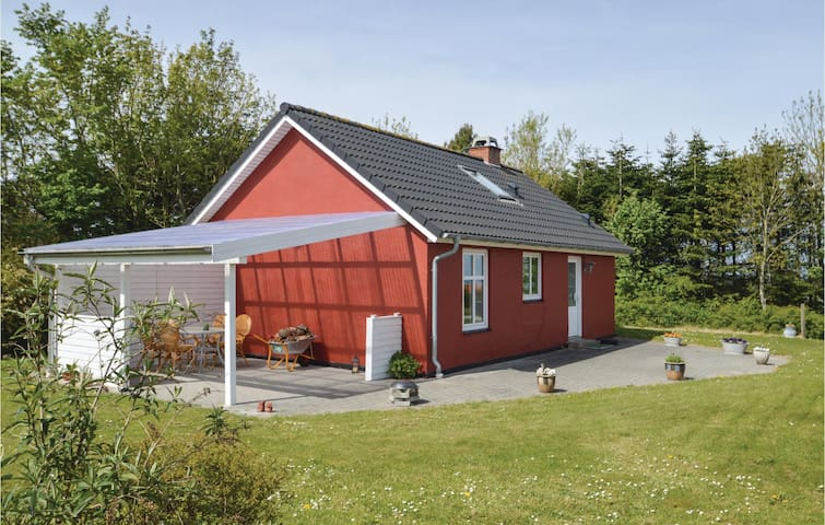 Holiday cottage with 2 bedrooms on 56m² in Farsø