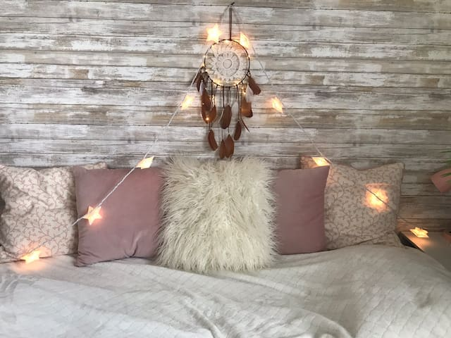 Cozy Hippy room