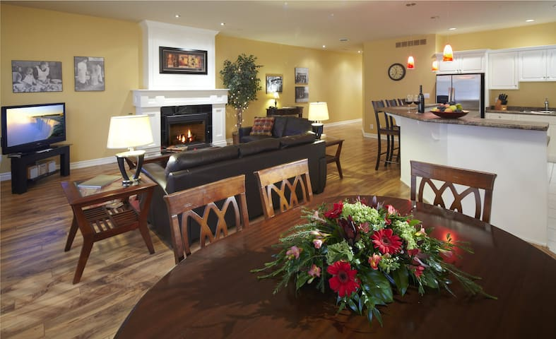 Greaves Sweet Escape, 2 bedroom loft suite in NOTL - Niagara-on-the-Lake - Apartamento