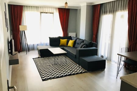 New Flat Amazing Cosy @1st floor, Kızılay Center